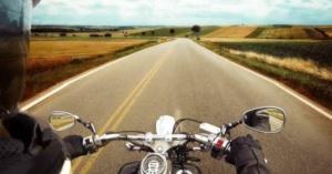 【2021年最新版】バイクでGoProを使用!オススメのマウントと方法!